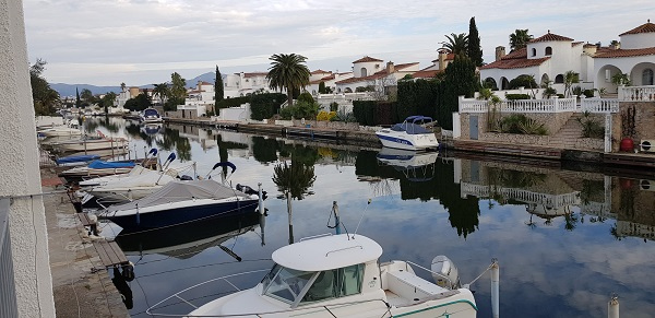 ampuriabrava appartement une chambre vue canal